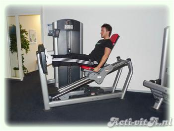 Machine seated leg press